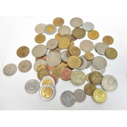 LOT 61 PIECES DE MONNAIE INTERNATIONAL